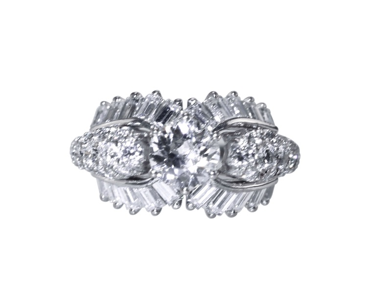 18 Karat White Gold Diamond Ring, circa 1950s