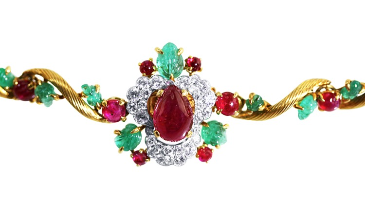 Suite of 18 Karat Gold, Platinum, Emerald, Ruby and Diamond Necklace, Brooch and Earclips by Mauboussin, Paris, 1962 to 1965 - Image #5