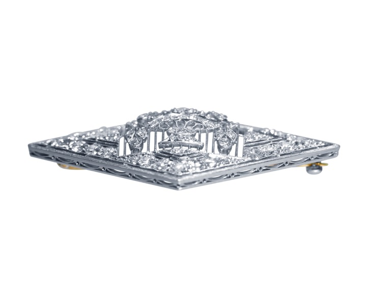 Early 20th Century Platinum and Diamond Brooch by Charlton & Co. - Image #3