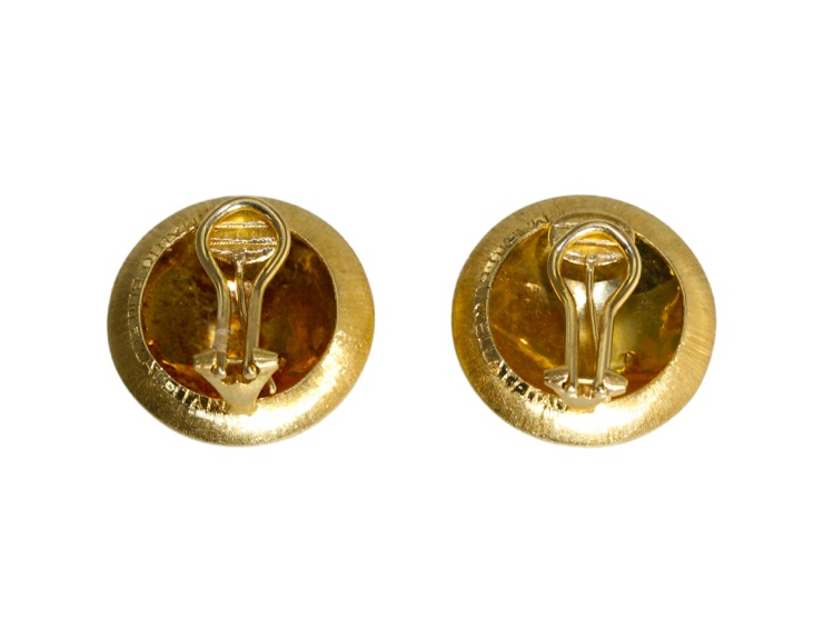 Pair of 18 Karat Gold Earclips by Mario Buccellati, circa 1960 - Image #3
