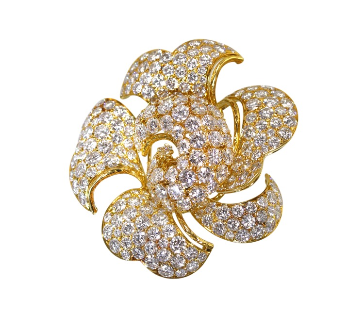 18 Karat Gold and Diamond Flower Brooch by Bulgari