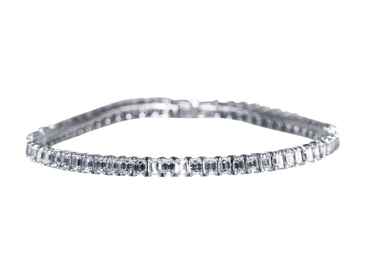 Platinum and Diamond Straight line Bracelet