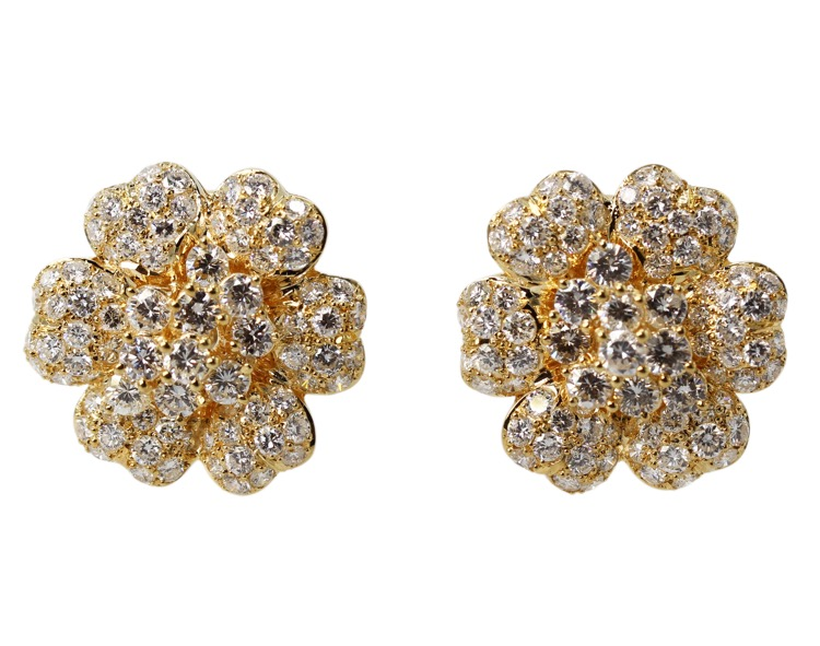 Pair of 18 Karat Yellow Gold and Diamond Earclips