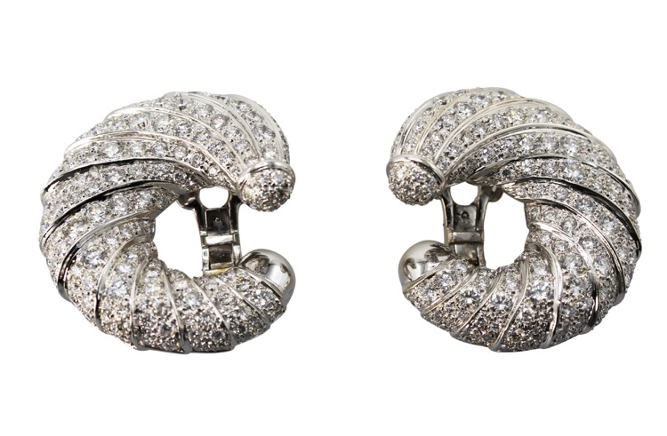 18 Karat White Gold and Diamond Earclips