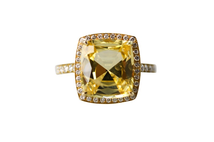18 Karat Yellow Gold Yellow Sapphire Diamond Ring