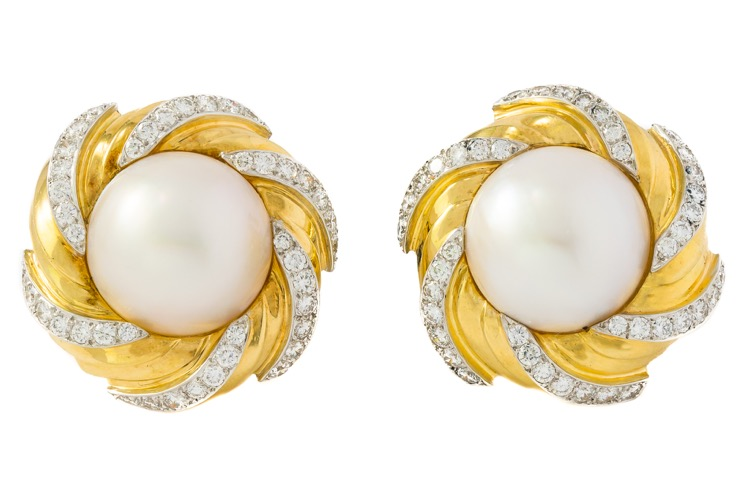 18 Karat Yellow Gold Mabé Pearl Diamond Earrings