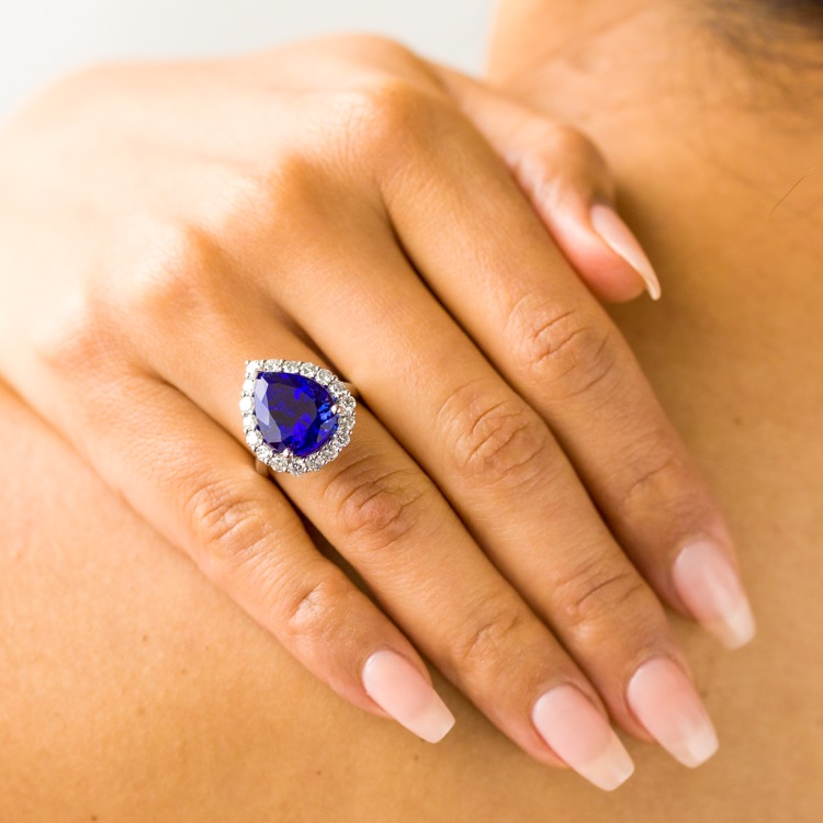 18 Karat White Gold Tanzanite Diamond Ring - Image #3
