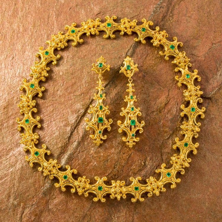 Georgian Yellow Gold Emerald Necklace and Earring Demi-Parure
