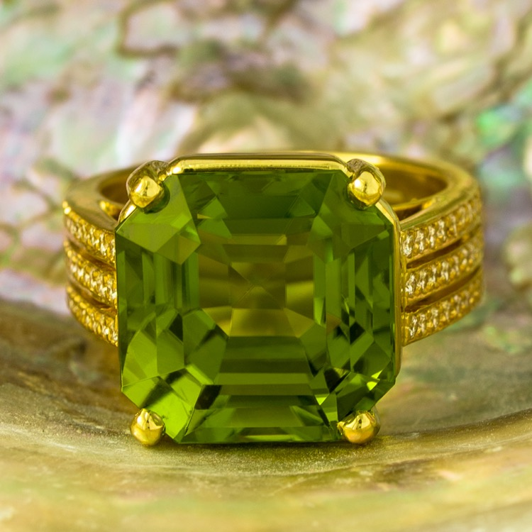 18 Karat Yellow Gold Peridot and Diamond Ring