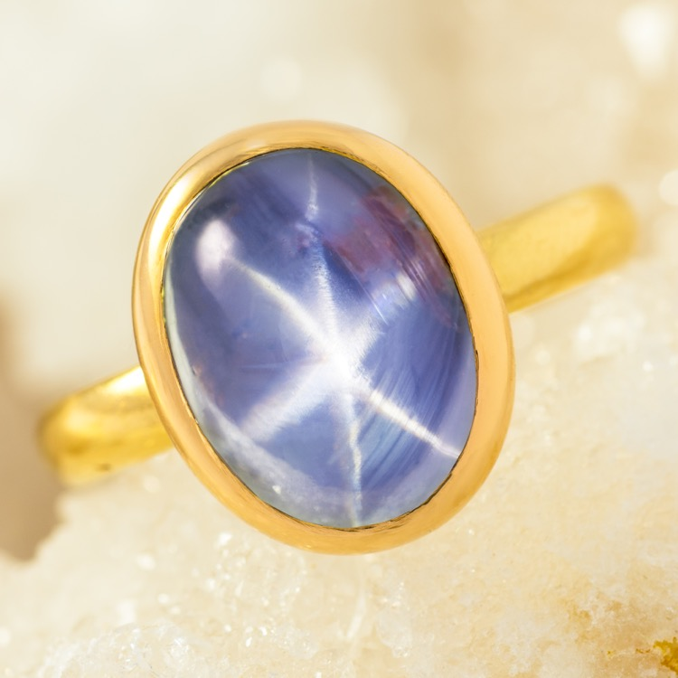 Blue Star Sapphire Ring 18 Karat Yellow Gold