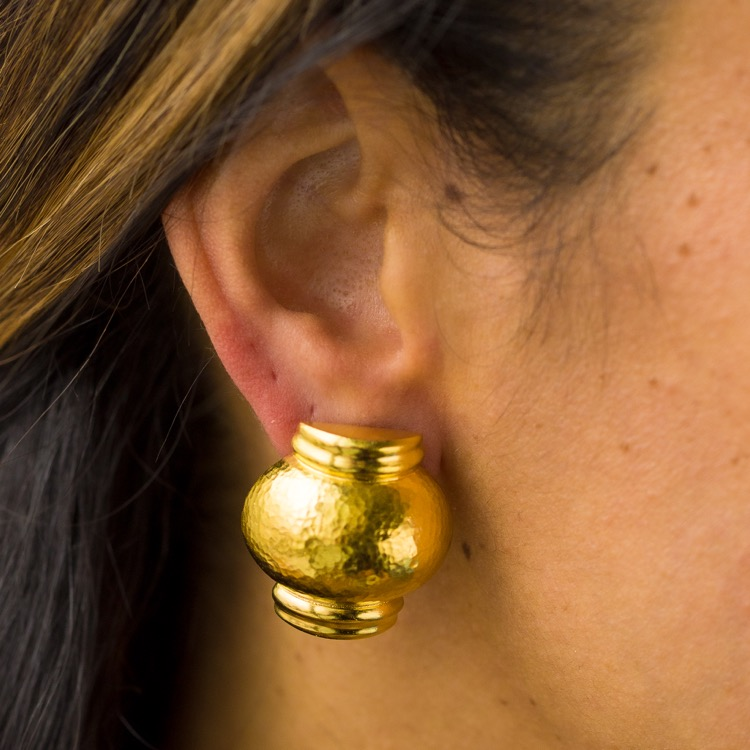 Pair of 18 Karat Hammered Gold Earclips by Lalaounis, Greece - Image #3