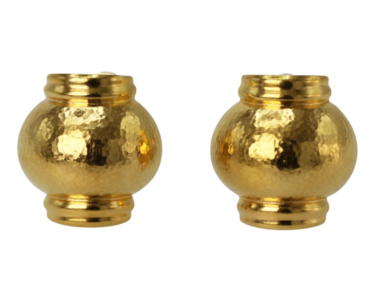 Pair of 18 Karat Hammered Gold Earclips by Lalaounis, Greece - Image #4