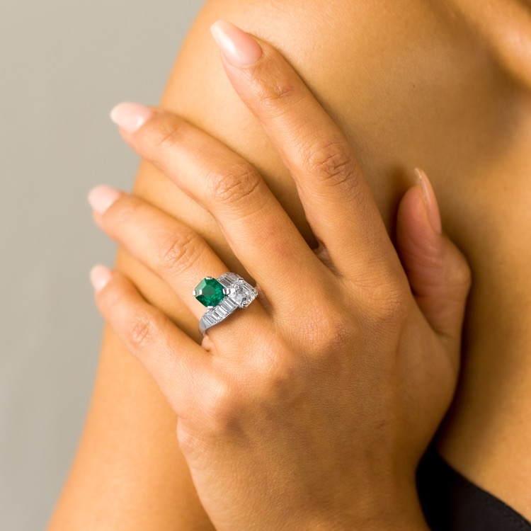 Colombian Emerald and Diamond Moi et Toi Ring