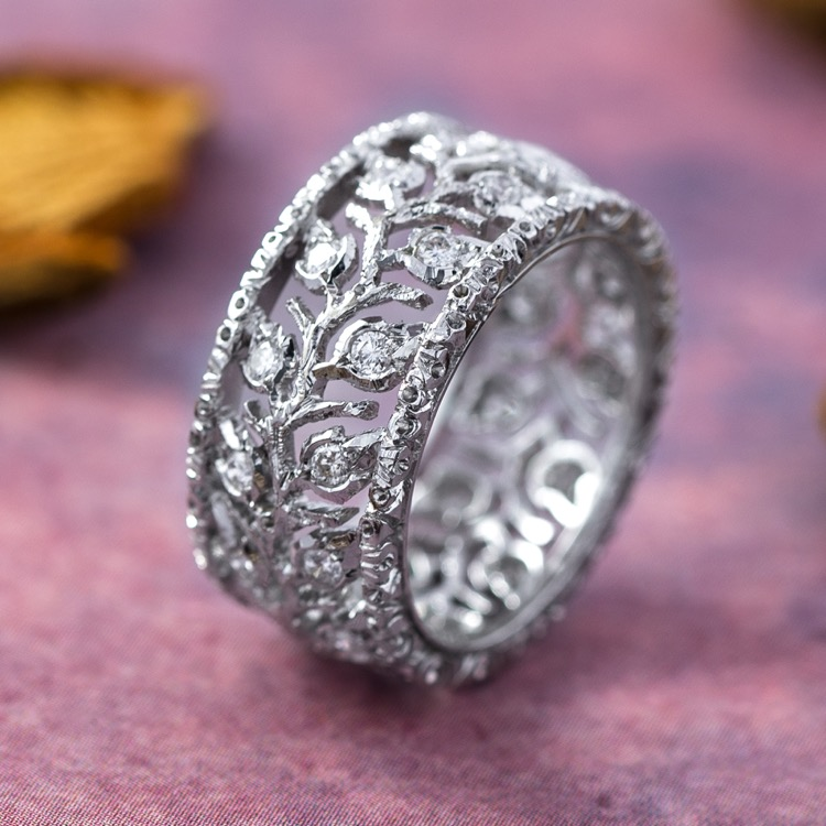 18 Karat White Gold and Diamond Ring by Buccellati, Italy