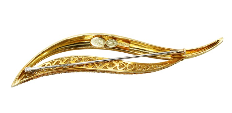 18 Karat Gold and Diamond Brooch by Henry Dunay - Image #3