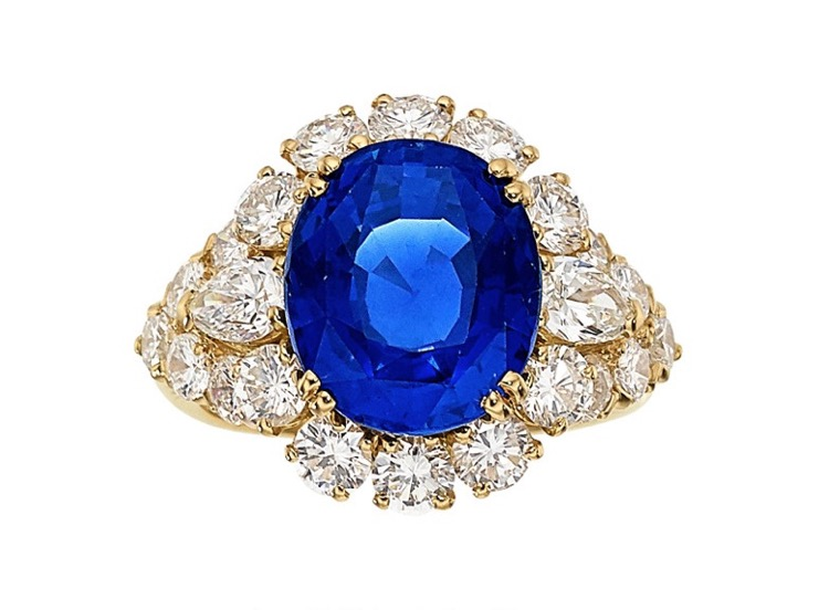18 Karat Yellow Gold Sapphire and Diamond Ring by Van Cleef & Arpels, French