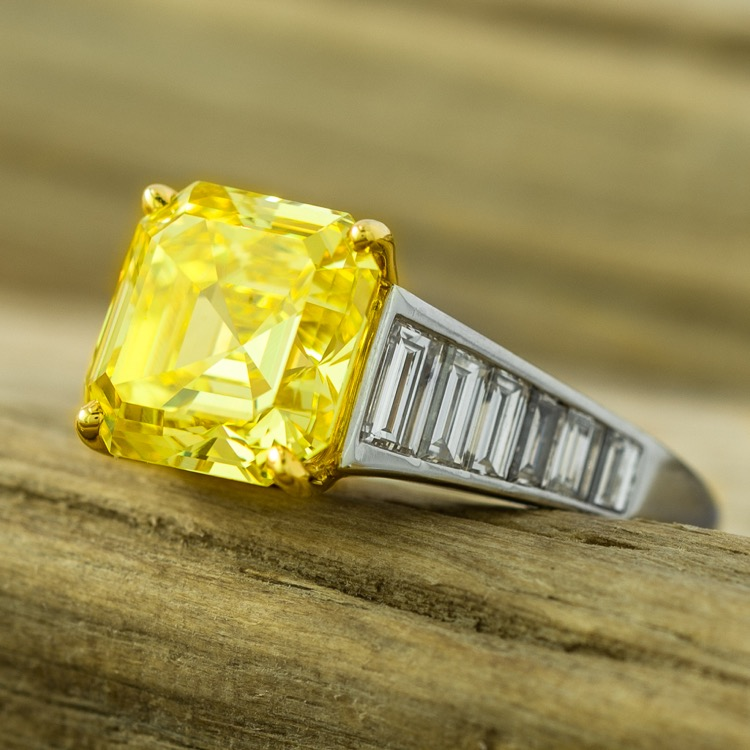 Graff Fancy Vivid Yellow Diamond Ring, Platinum 18K