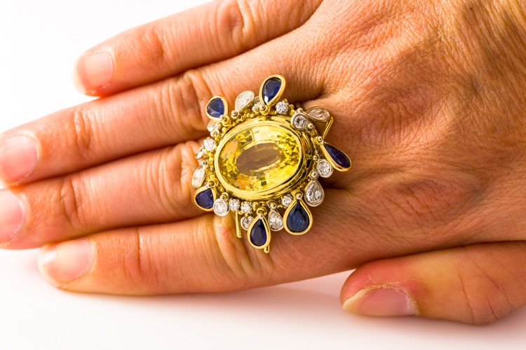 18 Karat Gold Yellow Sapphire (No Heat), Blue Sapphire, and Diamond Convertible Ring by Charles de Temple - Image #7