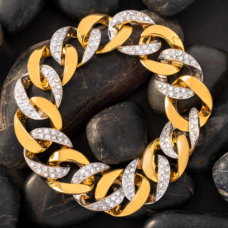 18 Karat Yellow Gold Diamond Curb Link Bracelet