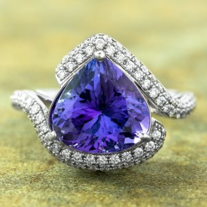 Estate Jewelry Tanzanite Diamond Ring 14 Karat White Gold 06002b