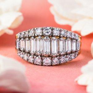 Estate Jewelry Tiffany & Co Diamond Ring 18 Karat Gold 05949b